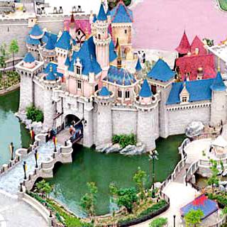 香港迪士尼樂園 Hong Kong Disneyland Tickets-最優惠迪士尼樂園套票門券+餐飲券:笑匠餐廳 Clopin's Festival of Foods / 火箭餐廳 Starliner Diner / 慧星餐廳 Comet Cafe